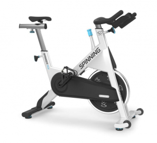 Un vélo d'exercice de la marque Precor